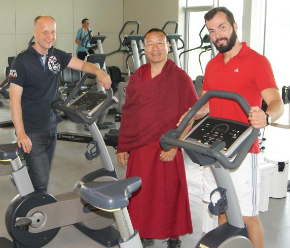 a3sports unterstützt Mönch aus Tibet